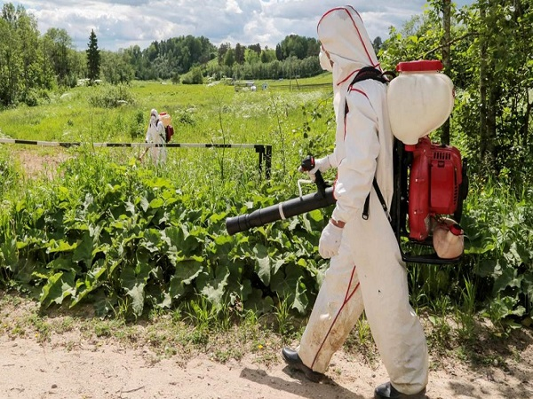 Гербицидная обработка поля в Магнитогорске